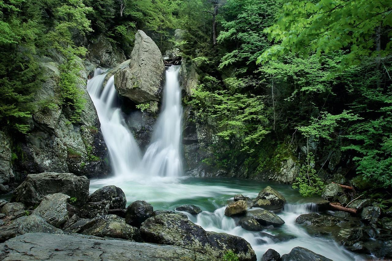 waterfall, water, stream-3084637.jpg